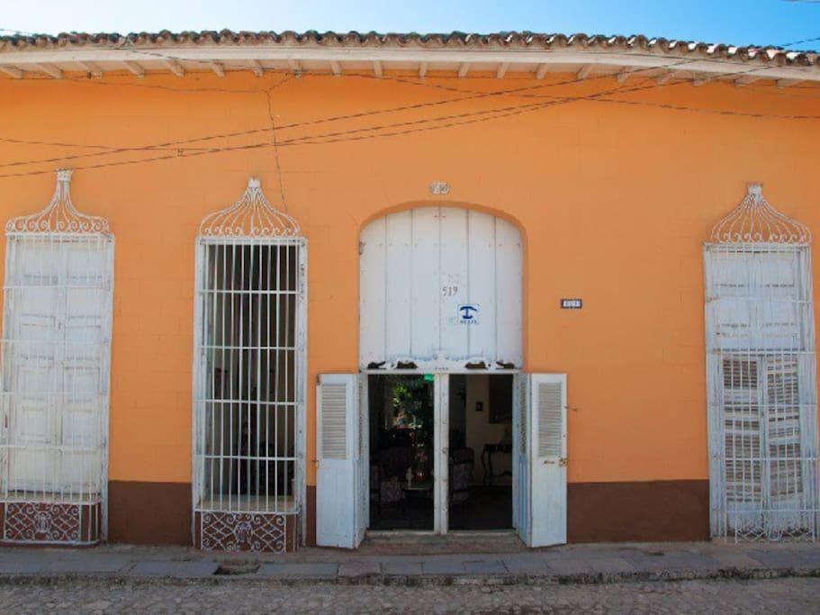 Hostal de arquitectura colonial en trinidad