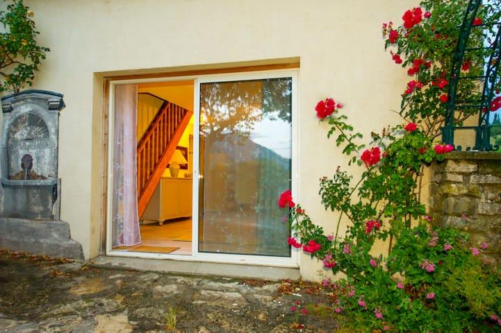 gîte des collines drômoises , en drôme provençale - Vesc - Apartmen