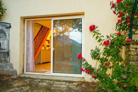 gîte des collines drômoises , en drôme provençale - Vesc