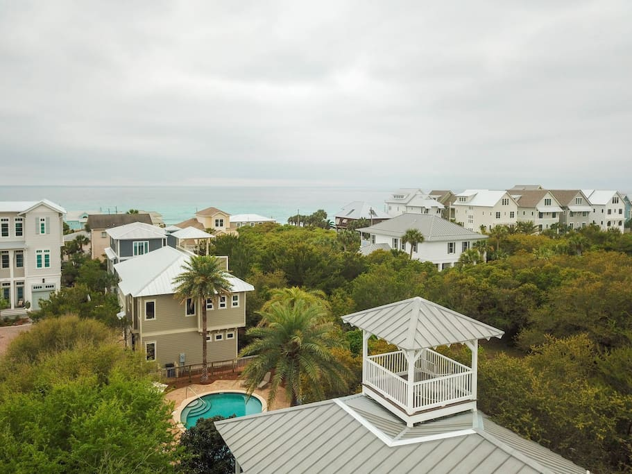 Paradise 30A~Flip Flop Stop, East of Rosemary in Inlet Beach, Community Pool, Ocean Views, Walk to the Beach