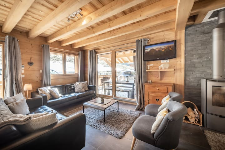Bright Modern Chalet , Large Open Spaces