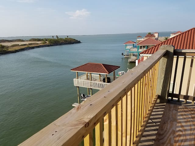 ***4054 sq ft Waterfront property***