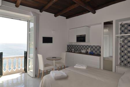 Stella Marina - Sea Front Master Bedroom
