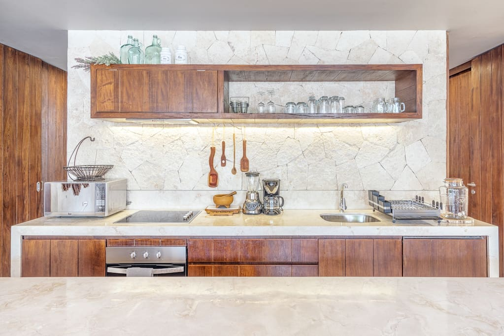 State of the art kitchen with Mayan stone!!
