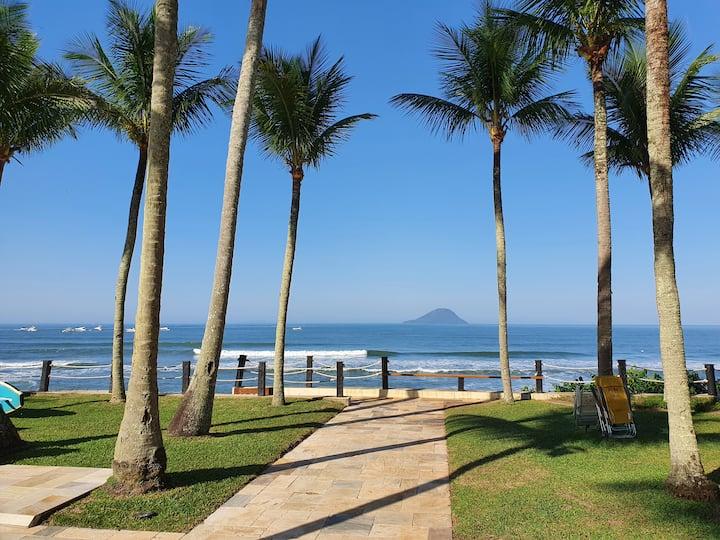 Casa de Praia, Condomínio Pé na areia.
