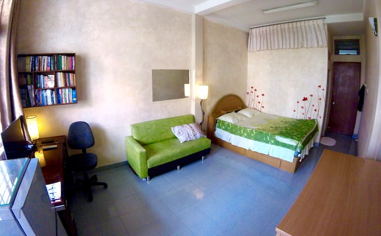 Charming large private bed+bath in District 3/10 - Ho Chi Minh - Talo