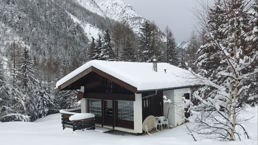 Holiday chalet in swiss alps for ski - Orsières - Chalet