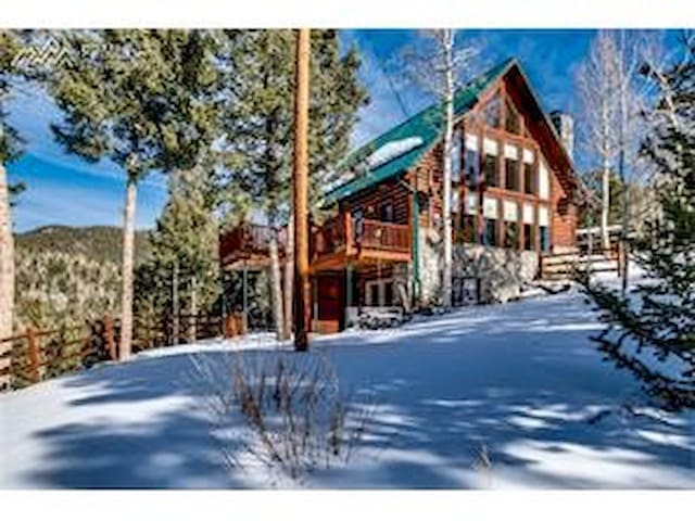 Victoria's Mountain Retreat CrippleCreekDivideCO