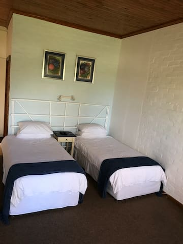 Tantivvey Country Guest House Room 3