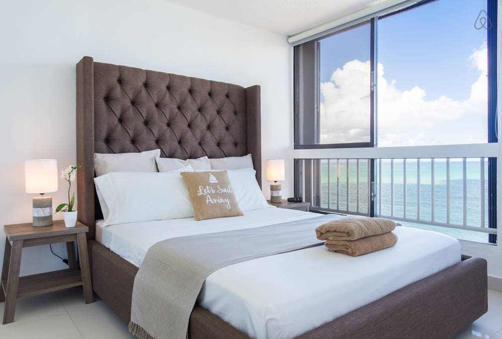 The queen size bedroom has direct ocean view. You can literally hear the waves from the bed and enjoy the view. It's so relaxing and luxurious feel.