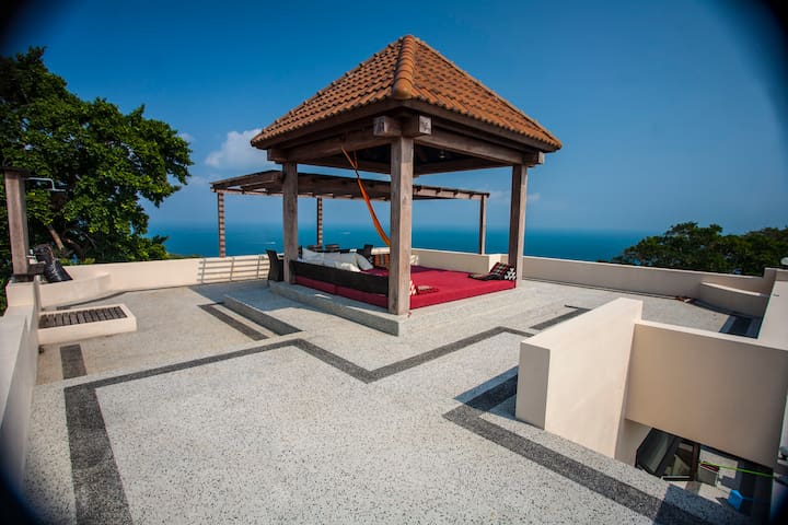 New POP VILLA, Koh Tao 2 BR Penthouse, Sea Views