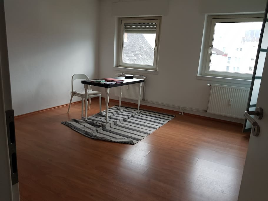 Wohnzimmer, Schreibtisch