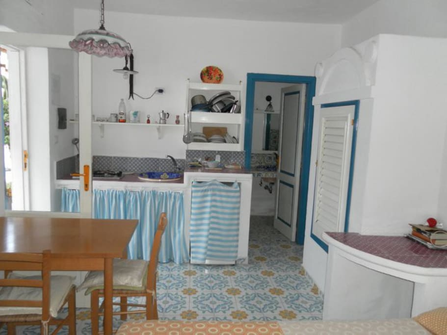 appartment for 2 people- with private bathroom and kitchen - view of the kitchen