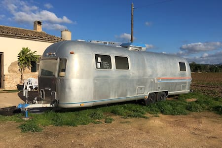 California Dreaming in a rare Airstream in Palma - 帕爾馬 - 露營車
