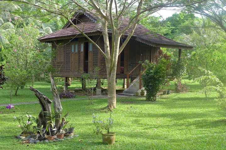 Charming Malay-style chalet - Langkawi - Chalupa