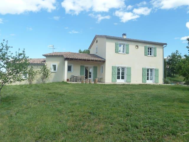 Villa située au pied des Cevennes - Savignargues - Ev
