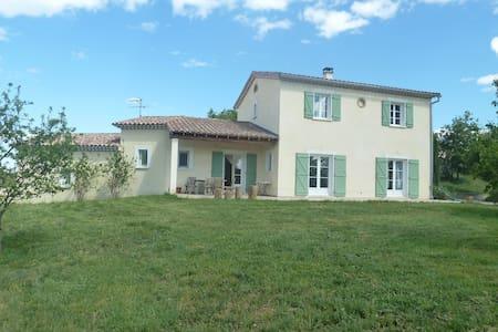 Villa située au pied des Cevennes - Savignargues