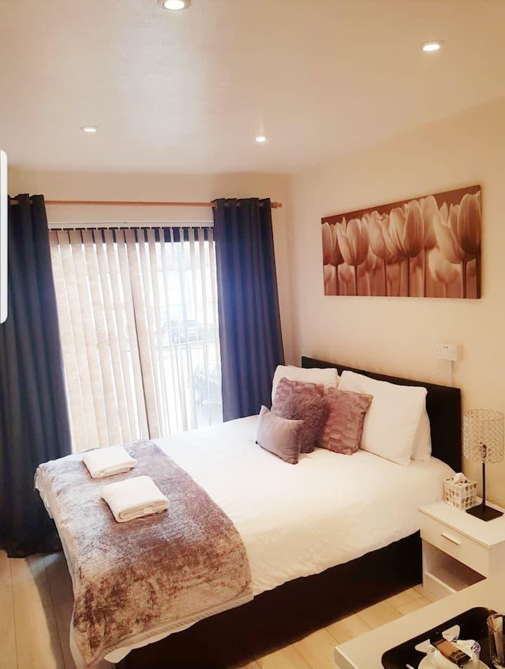 Classic Double/Twin Balcony Room