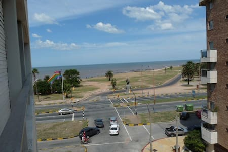 Apartment overlooking the Rambla - Montevideo - Apartemen
