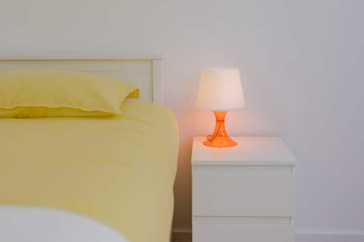OPORTO Charming Stays - YELLOW Bedroom