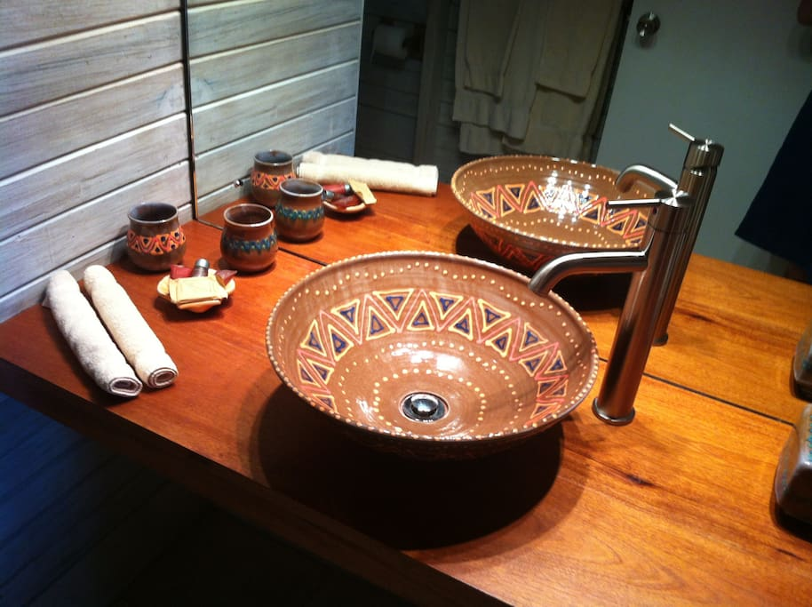 Bathrooms with local pottery from Earthworks