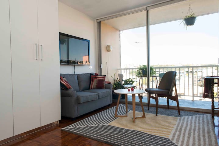 Great location and lighfilled studio with views