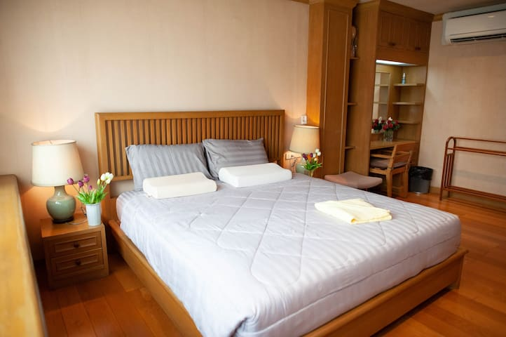 FINE HOME Silom apartment 4fl(BTS Surasak station)