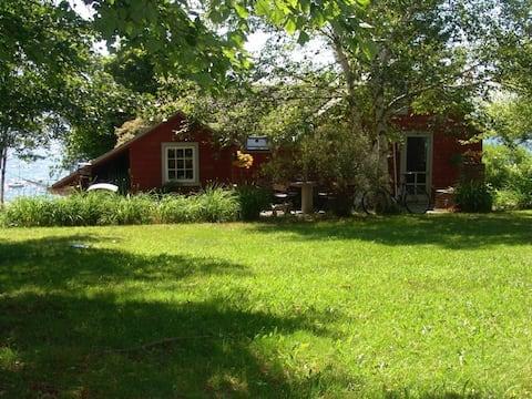 Brooklin Waterfront Summer Cottage