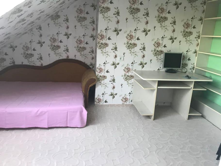 спальня на 2 уровне