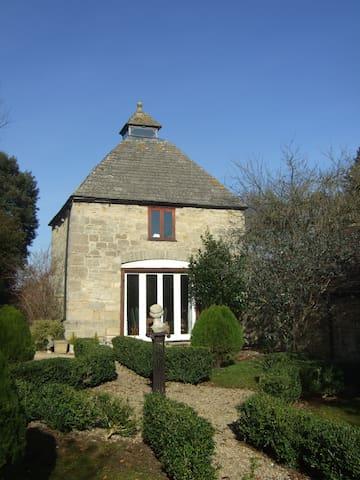A taste of Gloucestershire history - Prestbury - Hus