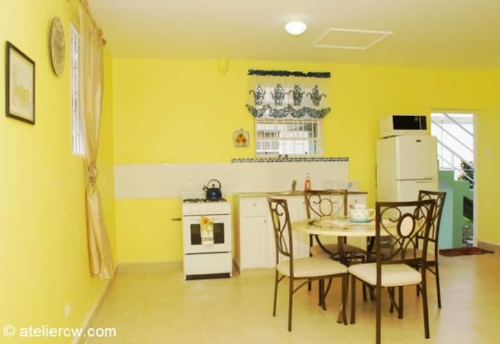 Cozy 1 bedroom apt with amenities. - Houses for Rent in ...