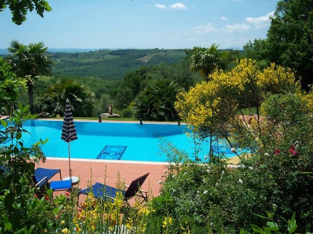 Traumhafte Villa & Parkanlage/Colombaio di Cencio - Gaiole In Chianti - Villa