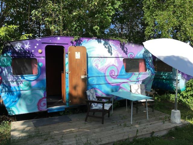 Caravan hostel, Edeby Gästfrihet - Norrtälje N - Camper/RV