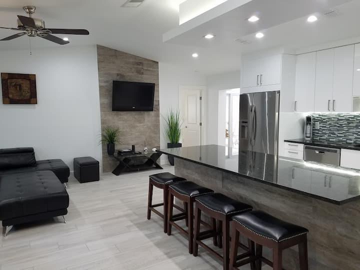 2310 Pinehurst Street, Sarasota, FL