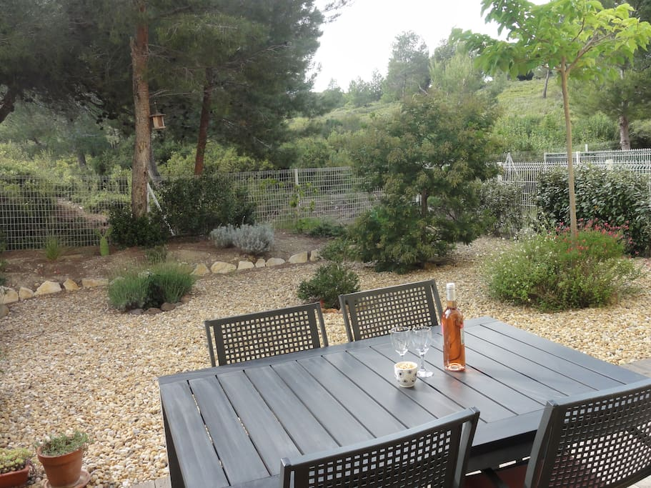 Fully enclosed back garden with a view of La Clape, protected nature site with no buildings