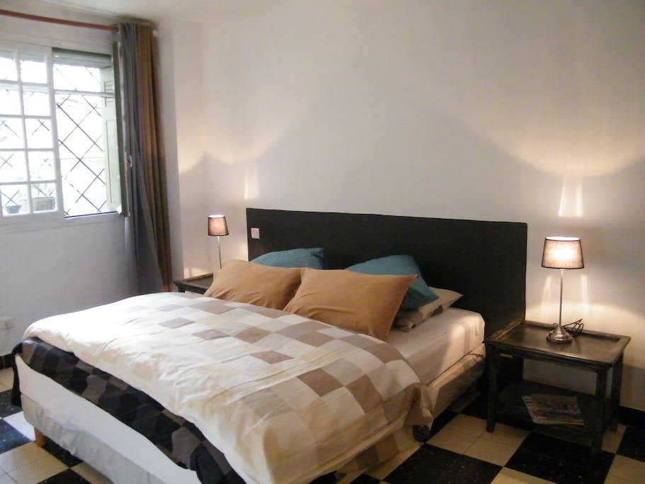 Une chambre en provence maisons louer eygali res - Temperature dans une chambre ...