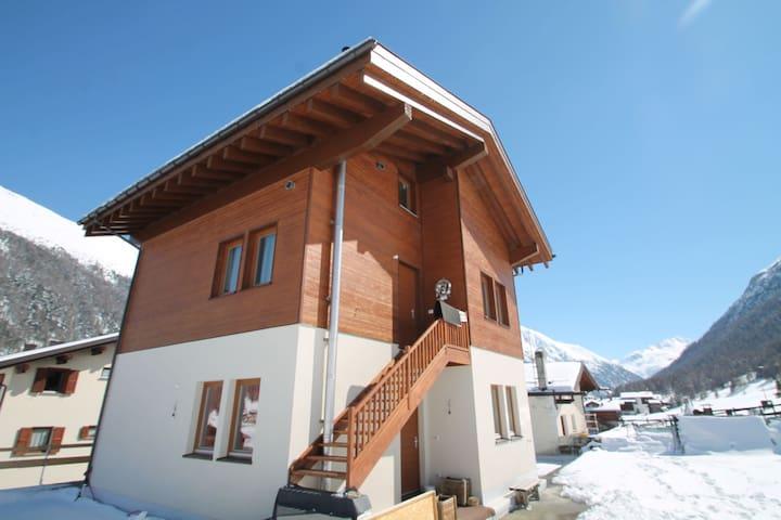 Appartement in Baita op slechts 30 meter afstand van de skiliften