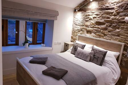 Love Cottage