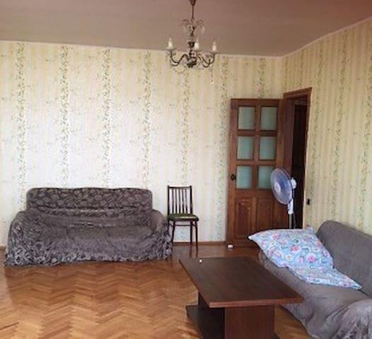 3-х комнатная квартира в г. Пицунда! - Bichvinta - Departamento