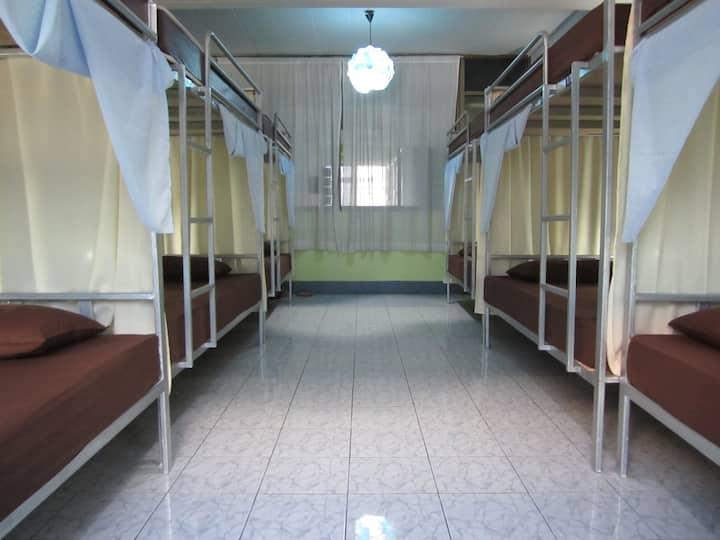 Shunlin hostel 順霖旅館