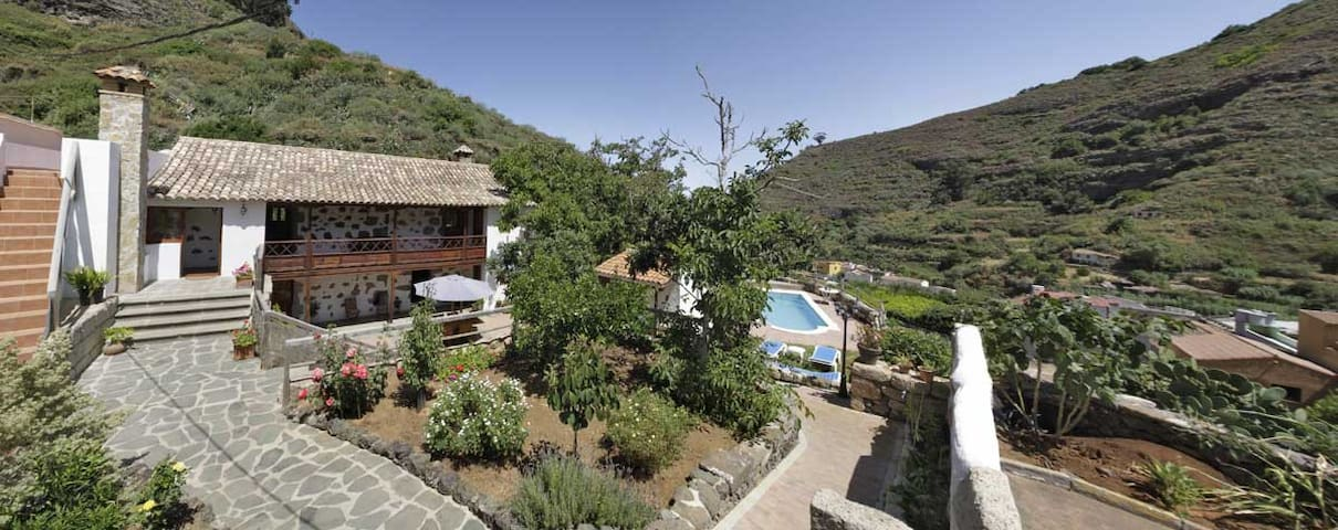 Country house with garden and pool - Valleseco - วิลล่า