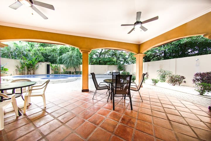 Casa Alta - Guanacaste Province - Huis