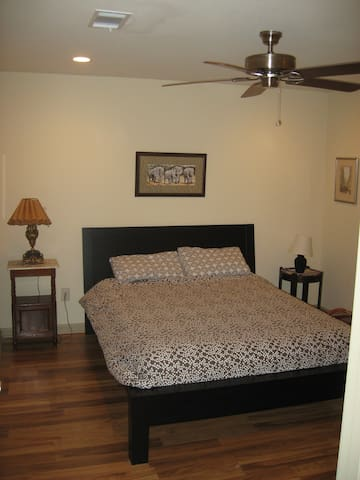 Downstairs suite w/ Priv entrance - Dawsonville - Huis