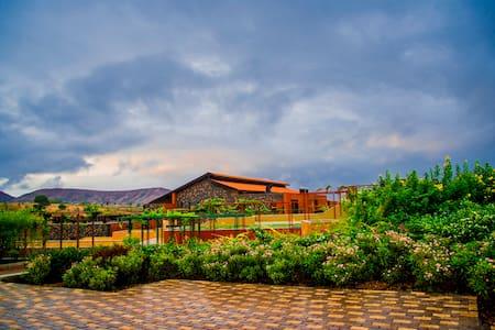 Grape County Eco Resort- Premium Sky Villas 1 - Anjaneri - 別荘