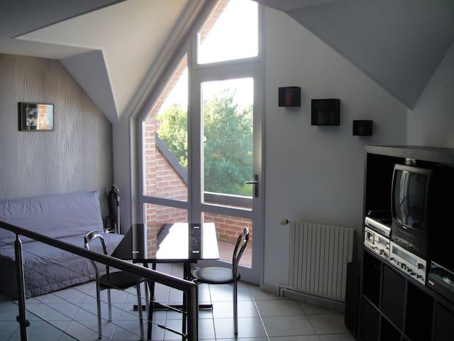chambre standing proche Saint-Omer - Longuenesse - Haus