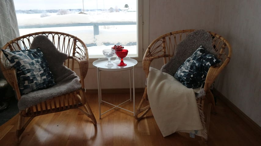 Cozy corners and Finnish design furnitures and dishes.