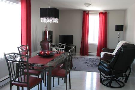 Appartement avec spa(jacuzzi) nature - Lac-Saint-Jean - Daire