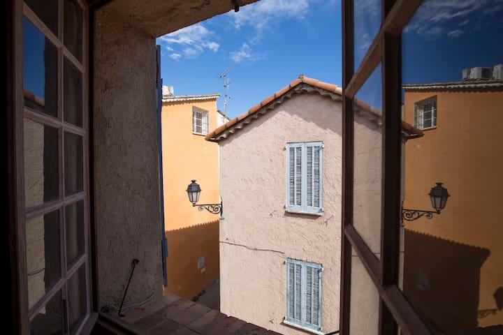 Fenêtre chambre 2