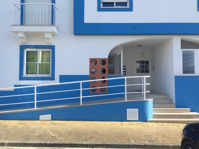 Apartamento moderno para férias - Ferrel - Wohnung