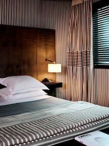 5 ***** Hotel Room in Paris  - ปารีส
